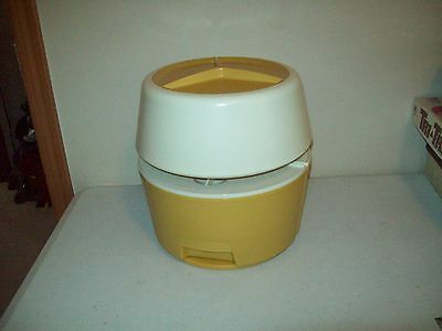 vintage Rubbermaid Lazy Susan Canisters American made Party Plan 1970 Harvest