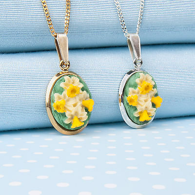 DAFFODIL PENDANT necklace in silver plate or gilt. Hand-painted in Wales,UK