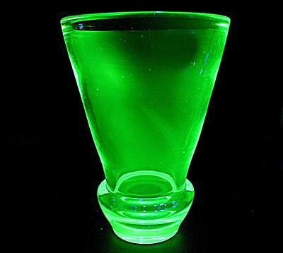 LOVELY LARGE WIDE HEAVY THICK GLASS VINTAGE URANIUM GREEN GLASS VASE 27cm HIGH
