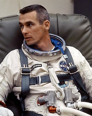 Gemini 9 Astronaut Gene Cernan Is Suited Up For Test - 8X10 Nasa Photo (Aa-438)