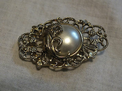 Collectible Stunning Scarf Clip Gold Tone Filigree Faux Pearl Cabochon WOW