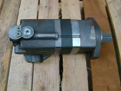 "Char-Lynn Hydraulic Motor 1.24"" Shaft - 26004"