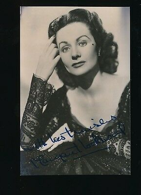 Film Theatre MARGARET LOCKWOOD personally SIGNED photo