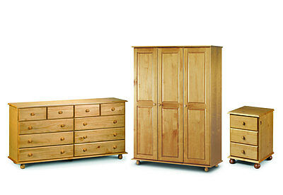 Julian Bowen Pickwick Bedroom Set 3drw Bedside 10drw Chest 3dr Robe- Fitted