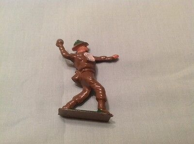 Vintage Hollow Lead Soldier Throwing Grenade, Crescent  (Ref red 697)