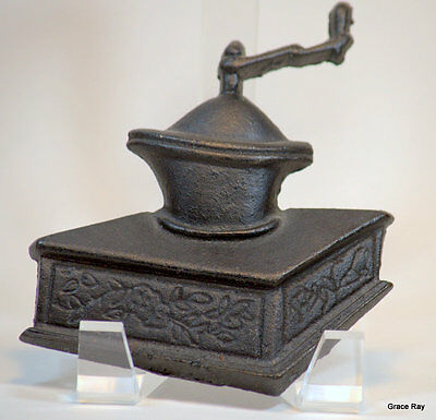 Vintage Cast Iron Miniature Antique Coffee Grinder Mill Wall Plaque Taiwan
