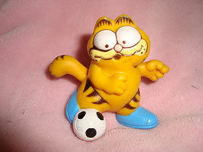 "Garfield Vintage 1981 Soccer Player 2.25"" PVC"