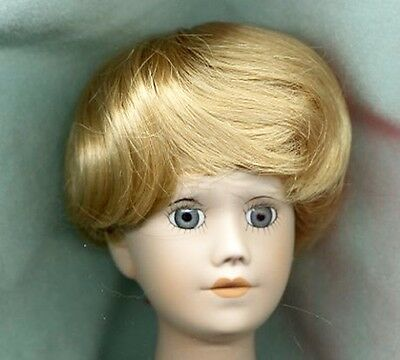 Monique Blonde Wig For Baby Or Bubble Cut Fashion Doll Size 8-9 - Linhill
