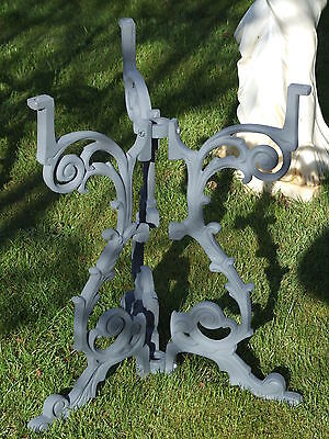 New Cast Iron Garden/ Pub/ Bar/ Patio Table Base. Despatched Next Day