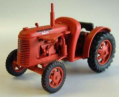 O Scale Model Kits 1:43 M16 David Brown 'Crop-master' Tractor Unpainted