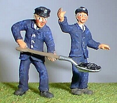 O Scale Unpainted Models Kit Loco Crew - Engine Driver & Fireman OF17