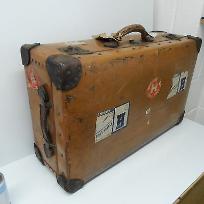 Very Large Vintage Steamer Trunk Travel Suit Case Coffee Table Toy Chest