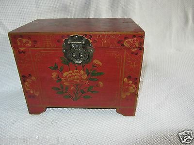 Vintage Chinese Oriental Wooden Painted Chest