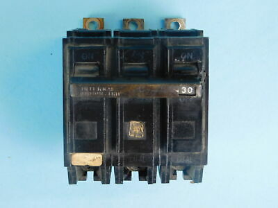 General Electric 3-Pole, 30 Amp Circuit Breaker G607*