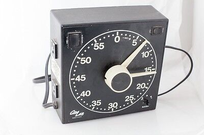 GRALAB GRA-LAB MODEL 300 DARKROOM TIMER glow glowing