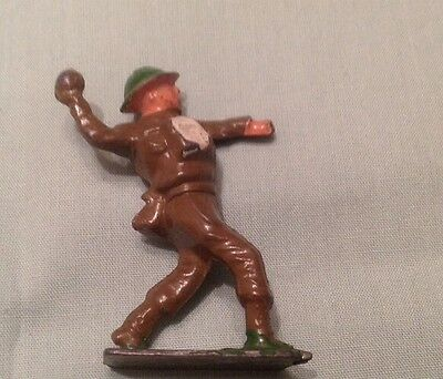 Hollow Lead Soldier Throwing Grenade, Crescent toys (my Ref red 695)