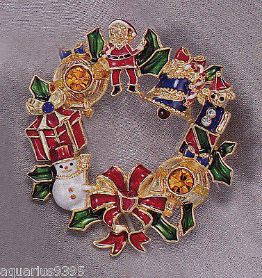 AVON 2010 Collectible Christmas Holiday Wreath Pin with Pendant Loop