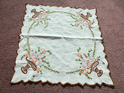 Embroidered Table Runner Doily White Flower Baskets Brown Trim 13 Inch NICE