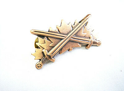 Canadian Military Armed Forces Warrior Badge Pin Bronze #15101