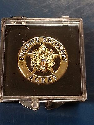 "1"" Fugitive Recovery Agent Badge Lapel Pin - quality metal in presentation case"