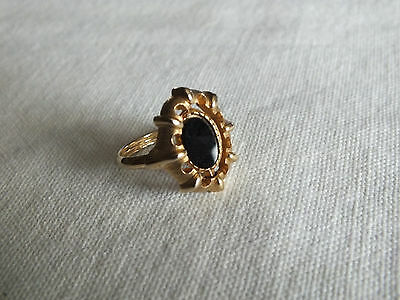 Beautiful Cocktail Ring Gold Tone Reversable Cabochon White Black Size 6-7 Adj