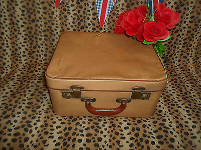 Pre-Loved Gorgeous Vintage 1960's Vanity Case With Brown Leather Handle