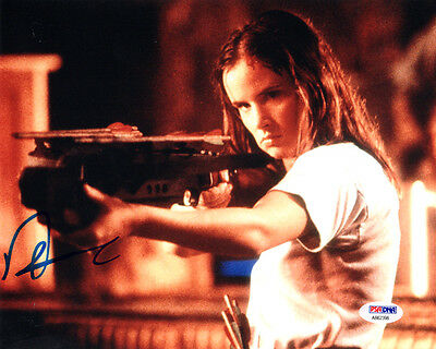 JULIETTE LEWIS SIGNED AUTOGRAPHED 8x10 PHOTO NATURAL BORN KILLERS PSA/DNA