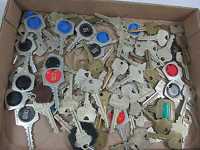 Vintage Collection 102 Hotel Room Keys tags Lots of Numbers Great for Repurpose