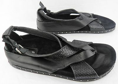 Bellatrix Crisscross Flat Sandal Black Leather Thong 6.5-36.5 $298 L.a.m.b