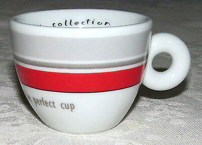 Illy ips Espresso Demitasse Cup Collection 2002 The Perfect Cup Signed Numbered