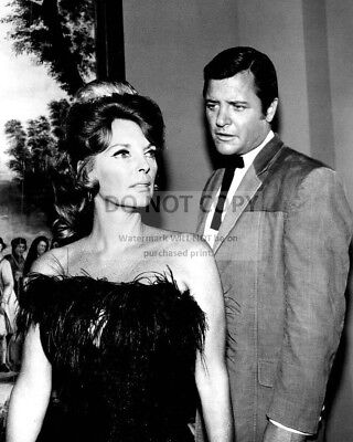 Richard Long And Julie London In 'The Big Valley'  8X10 Publicity Photo (Bb-938)