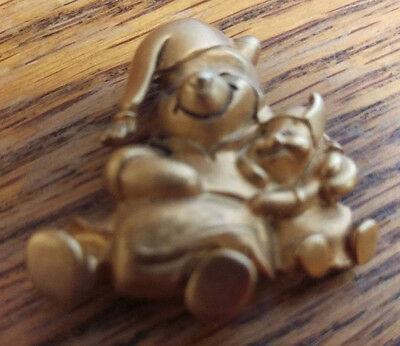 Winnie the Pooh Nightgown Pin