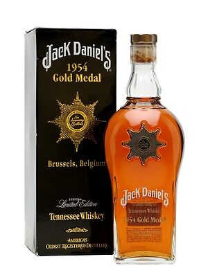 1954 Jack Daniels Gold Medal Tennessee Whiskey 750ml RARE