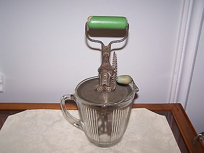 VINTAGE COLLECTIBLE JUG / PITCHER AND GREEN WOOD HANDLE EGG BEATER SET Pat: 1923