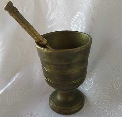 Vintage  small mortar and pestle bronze brass metal  ......../ 2/...........