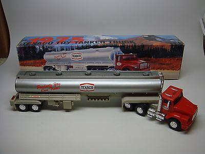Texaco 1975 Toy Tanker Truck-1995-Edition---Look---