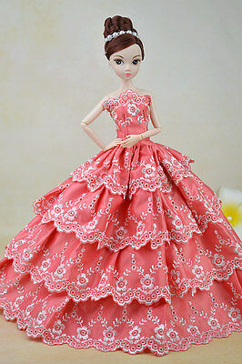 Beautiful Barbie Flower Embroidery Button Hole Wedding Dress Cloth Gown