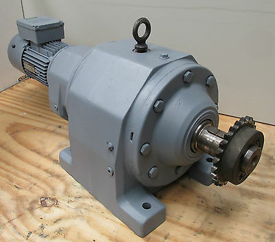 SEW 2 Speed Electric Motor Brake Gearbox 415v Brake Gear Drive 1.8RPM 7.7rpm