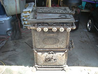 Vintage Antique Cast Iron Jewel 4 Burner Stove & Range