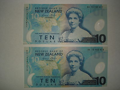 10 Dollar New Zealand,2 Consecutive Number Banknotes,UNC,Most Beautiful+Colorful