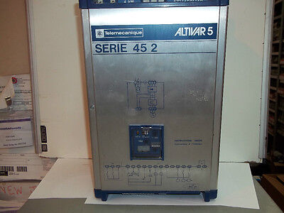 Telemecanique Altivar 5 Electric Motor Inverter 2.2kW (3HP) ATV452U32 Serie 45