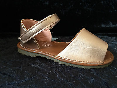 New-Kids- Girls -Spanish Sandals - Menorcan- Rose Gold -Faux Leather- Sizes 4- 2