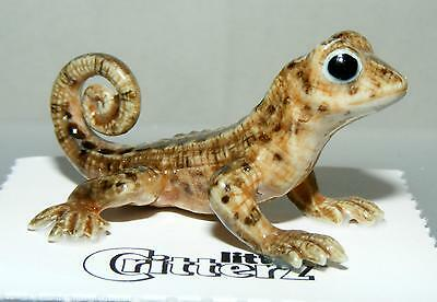 """Little Critterz Miniature Porcelain Animal Curly Tailed Lizard """"Whip"""" LC879"""