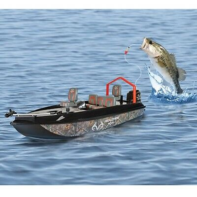 New! Fish Catching RC Boat Fishing Remote Control Pre Rigged Tackle