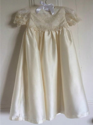 NEW LONG LENGTH GIRLS IVORY CHRISTENING BAPTISM GOWN DRESS + HEADBAND 3/6/9/12 m