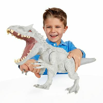 Jurassic World Indominus Rex - Lights and sounds - Colour changing skin -- New