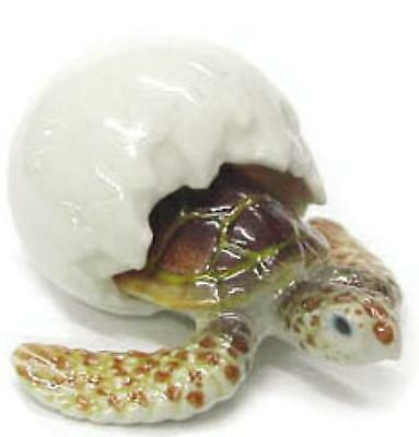 Northern Rose Miniature Porcelain Sea Turtle Hatching Light Brown R312A
