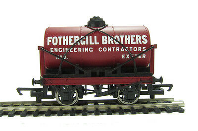 """R6569 Hornby 00 Gauge 12 Ton Tank Wagon """"Fothergill Brothers""""  New and Boxed"""