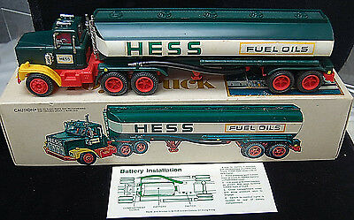 1978 Hess Fuel Oil Tanker Toy Truck w/ Original Box, Inserts, Instructions S6590