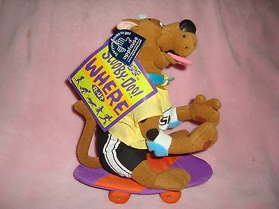 """Extreme Scooby-Doo Skateboarder Plush Applause 8"""" w/tags"""
